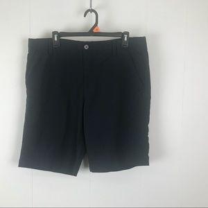Underarmour mens black golf shorts 36